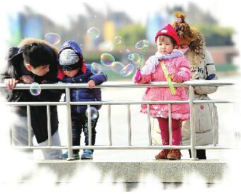 """二月济南""""娃娃脸"""":今天最高17℃ 明天跌到只有8℃"""