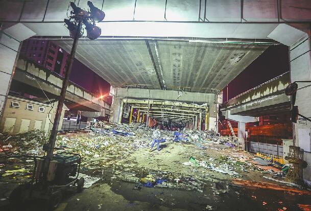 """顺河高架下终于""""通透""""了 花卉市场等三大主体违建拆完"""