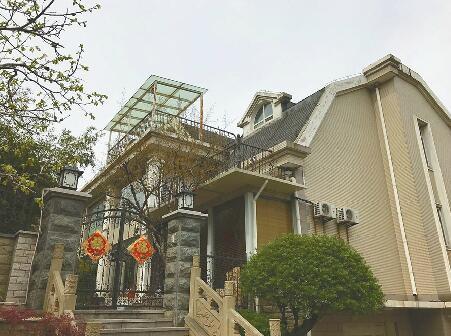 卧龙花园别墅区违建列入三期拆违名单 居民投诉5年