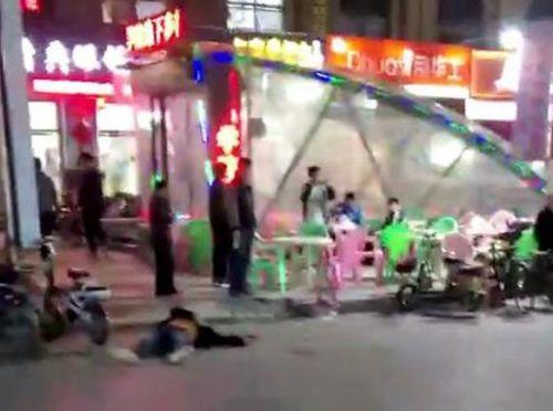警方通报德州学院步行街斗殴案:餐饮店抢客起冲突致四伤