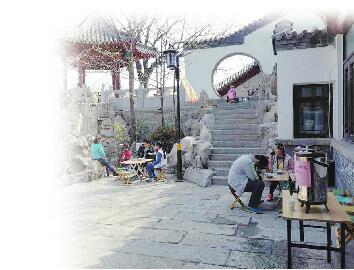 济南2元泉水大碗茶恢复供应 泉水生活馆游客量猛增
