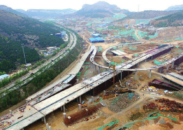 济南最大互通立交桥雏形渐显 全长约2.1公里