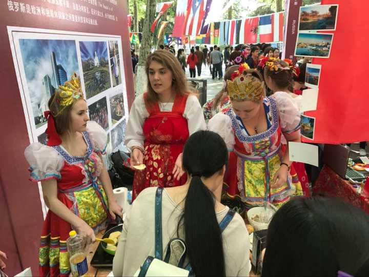山东大学举办国际文化节 来这里感受异国风情吧