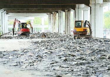 济南顺河高架下开建停车场 初步规划停车位700余个