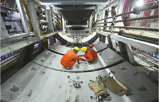 济南R3线首台盾构机始发 预计2018年年底前将全部洞通