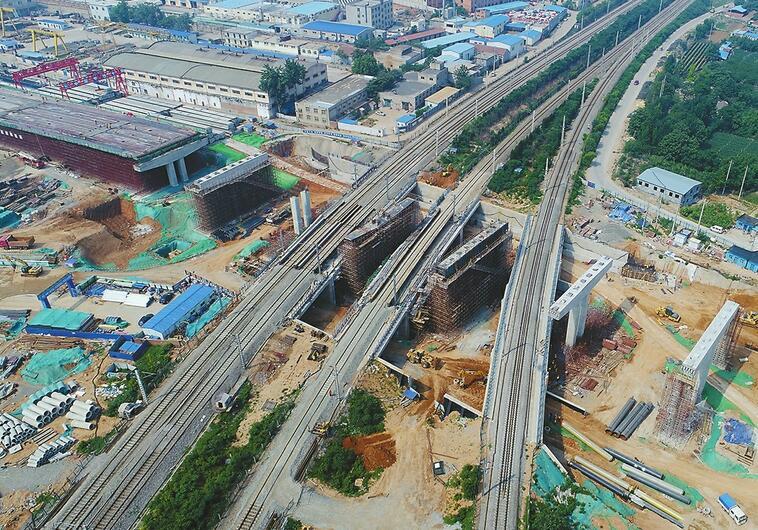 济南二环西路南延飞跨四条京沪铁路 预计10月份通车