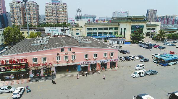 """济南火车东站""""李鬼""""出站口下周拆除 二层建筑实为违建"""