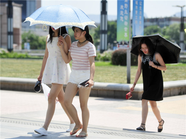 山东各地一天发51个高温预警 最高温到38.1℃