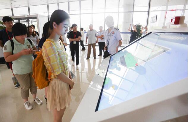 政务服务提速让营商环境更优 全国百家网媒走进济南高新区看文明窗口创建