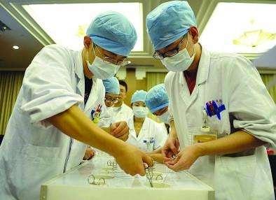 山东免费医学生首次招考火爆 生源地和沿海城市受欢迎