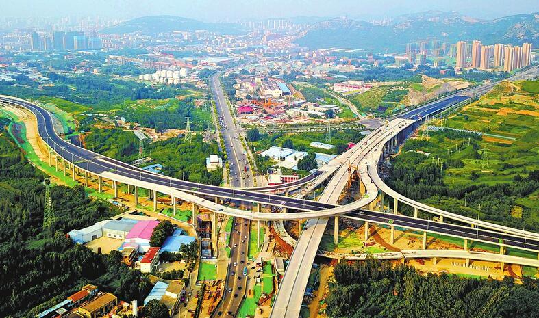 泉城最高立交桥展英姿 将实现二环西路与二环南路快速路网对接