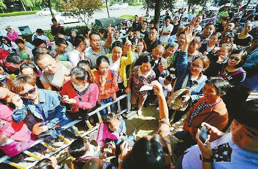 济南交警:开学修路过节赛事扎堆 9月份或全年最堵