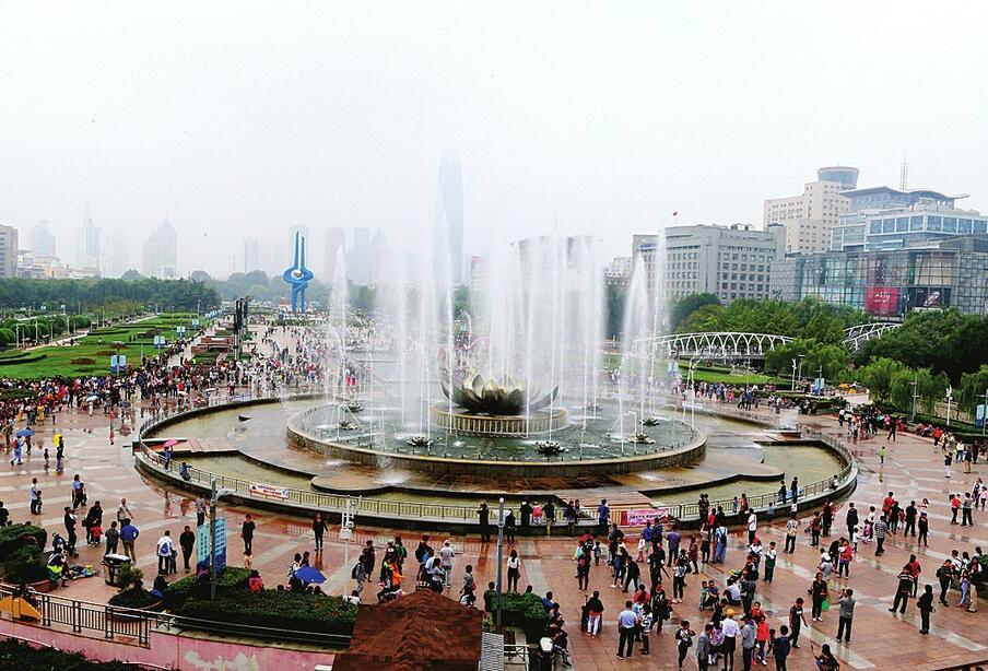 泉城美 游人醉!济南13家景区昨日接待游客28.84万人次