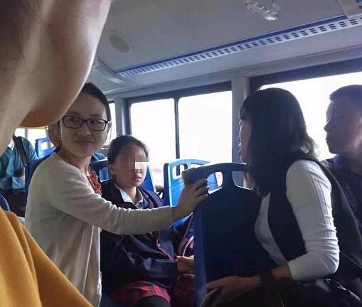 青岛:全城接力找回走失女孩 防走失锦囊家长收好