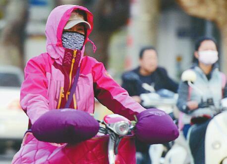 济南市区昨最低5.6℃创下半年新低 个位数气温到底有多冷