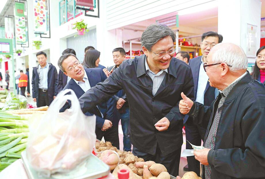 王文涛深入社区联系实际宣讲党的十九大精神