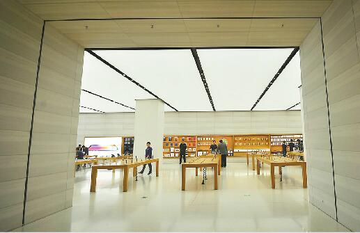 """""""热苹果""""的冷观察:iPhone受关注度下降 国产手机崛起"""