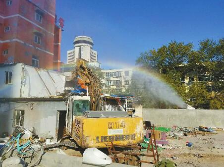 5000㎡!济南沃客宾馆违建被拆 预计需要两天拆完