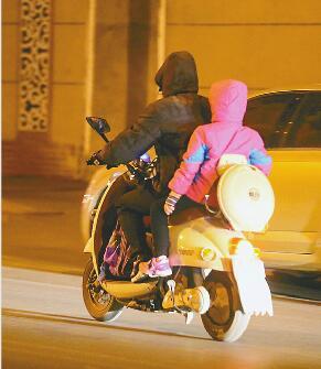 济南市6岁女孩寒风中的4小时 刷遍朋友圈的寻人消息(图)