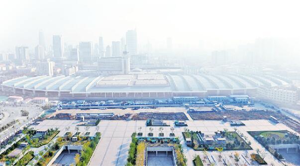 济南火车站北广场建设待解之谜 目前主体、站房、道路仍未完工