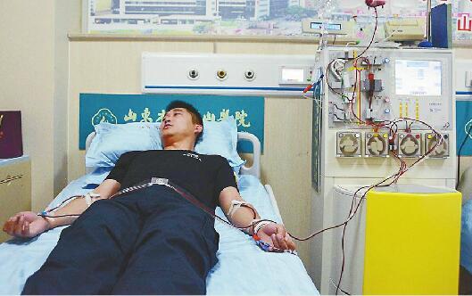 撸撸爽第一页_山东第589例造血干细胞捐献者撸袖救农村大学生