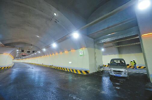 """玉函路隧道""""定妆""""安全逃生有预案 地下16米进退有道"""