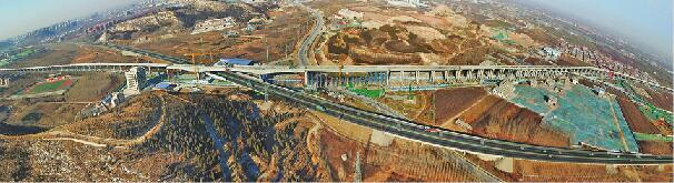 全国首条素颜轨道交通高架段全线贯通 明年7月有望轨通