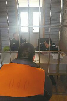 济南男子醉驾载着俩娃被查还打警察 酒司机已被刑拘