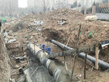 湿法作业不到位裸土未覆盖 韩仓补水工程被现场停工