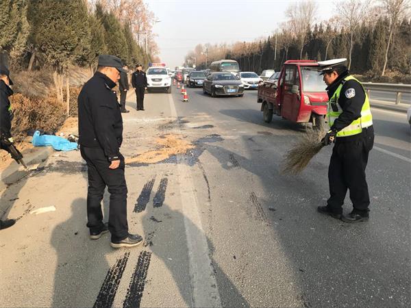 103省道仲宫段发生车祸 北向南行车缓慢