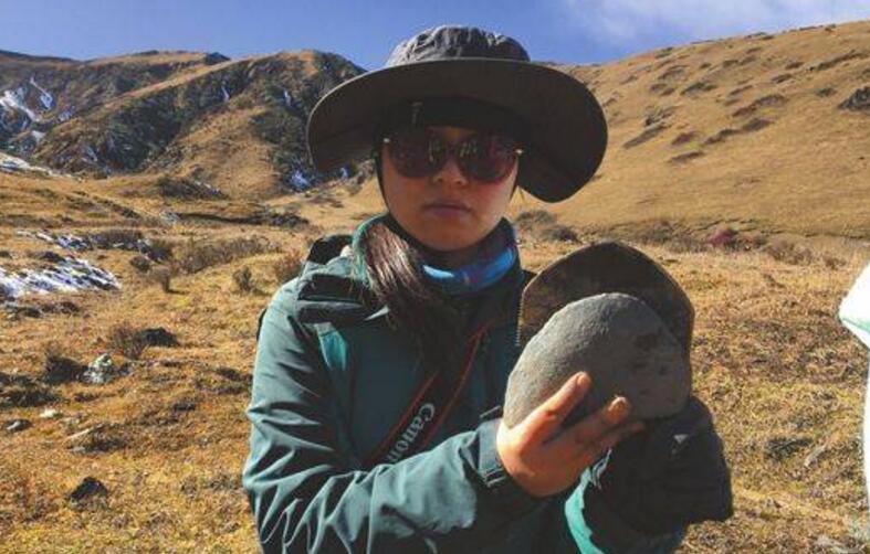 女考古员徒步7天穿越九顶山无人区 发现新石器遗址