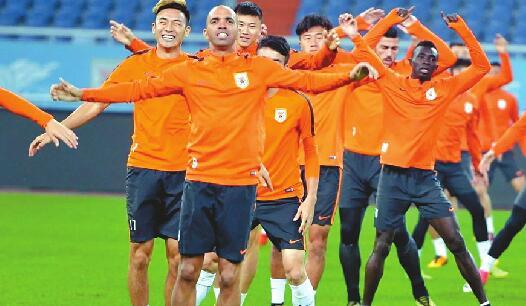 今迎成立20周年纪念日 鲁能俱乐部一线球员开始新赛季第一练