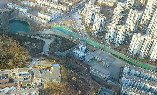 和平路东延4个月前封闭半幅施工