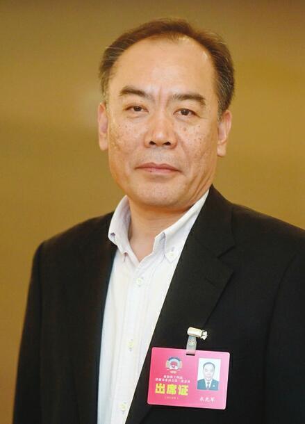 培育公益组织推进公益诉讼――访市政协委员衣光军