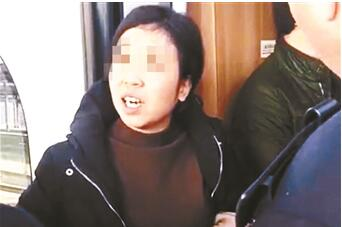 宝鸡南站高铁堵门事件再现 女子将为冲动行为付出代价