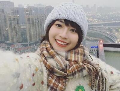 女生龙梦柔神似新垣结衣走红(照片)