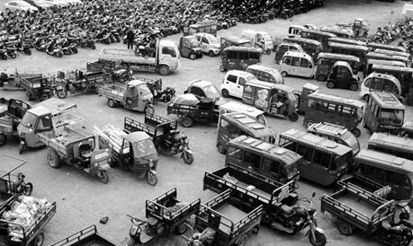 济南一年查处1.8万辆非法三轮车 三成被查司机驾照不符
