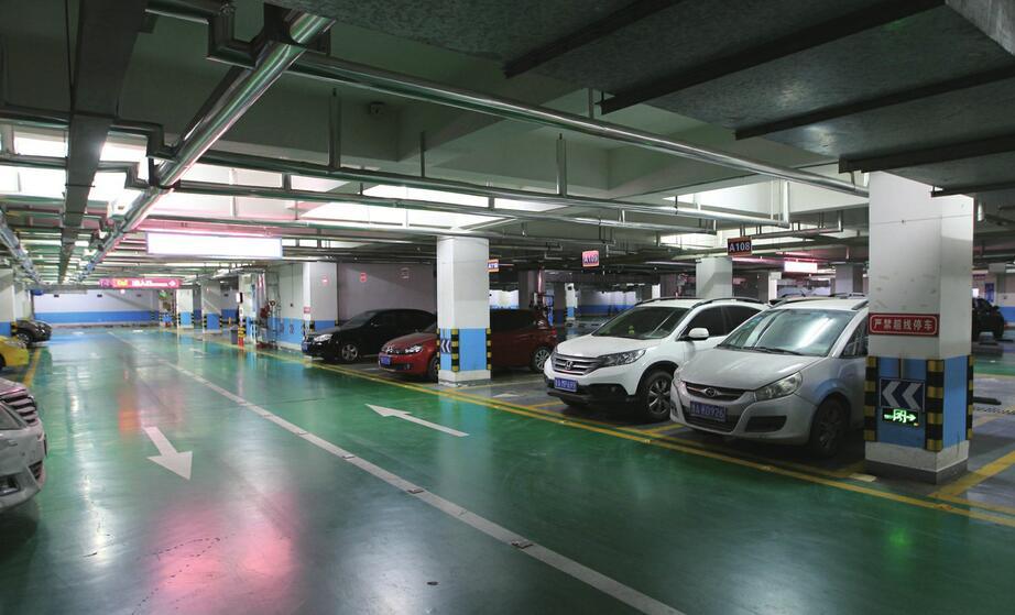 停车困难与泊位闲置共存 共享车位能否推而广之?