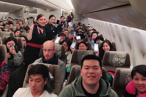 空中刷起朋友圈!东航181个正在执飞航班可玩手机