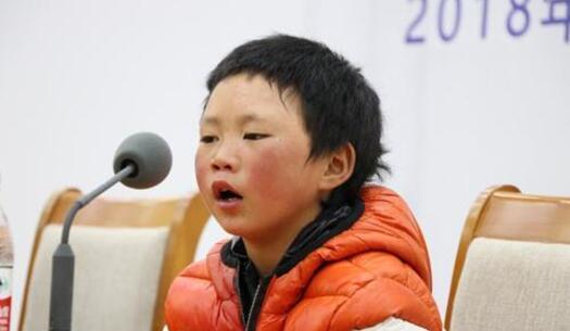 """对话""""冰花男孩""""王福满:被人关..."""
