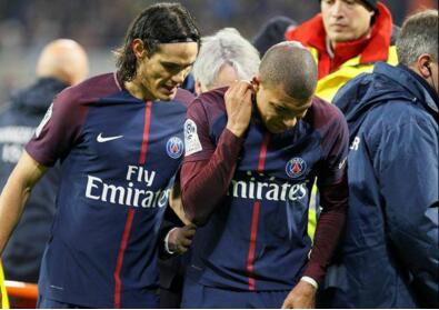 内马尔缺阵10人巴黎1-2曼联 巴黎遭补时绝杀损兵折将
