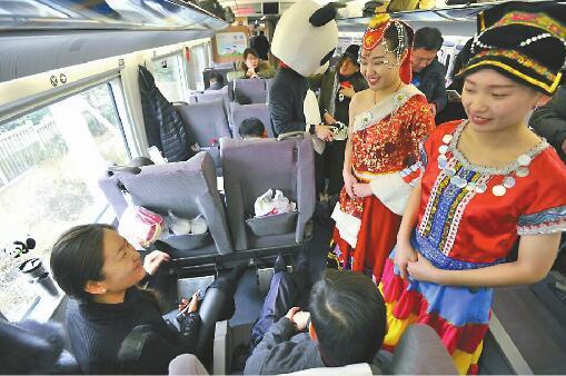 济南至成都高铁昨开通9小时即达 省会城市朋友圈再扩容