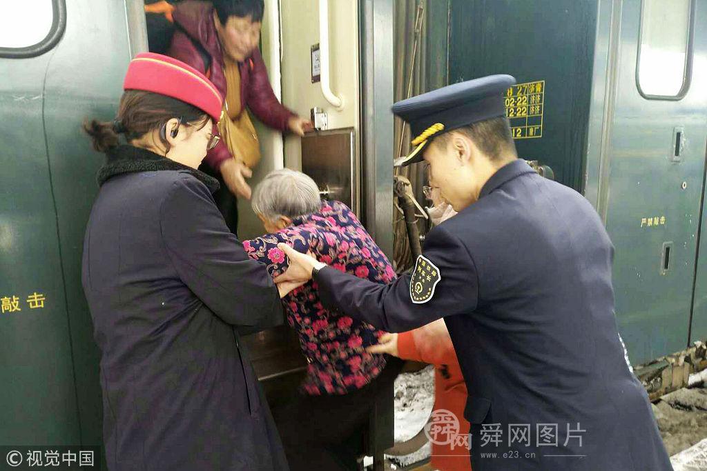 2018年1月28日,春运前夕,记者跟随青岛至西宁z273/2次列车,探访列车