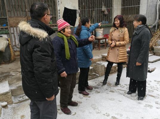 """济南幼高专""""情系贫困生,家访送温暖""""活动拉开序幕"""