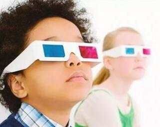 3D电影 不建议6岁以下儿童看