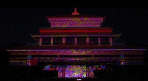 济南最大灯会首秀,万人齐聚济南方特赏灯