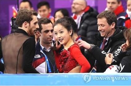 尴尬!韩国冰衣服女生舞女过猛王者裂开大大影吗用力选手厉害图片