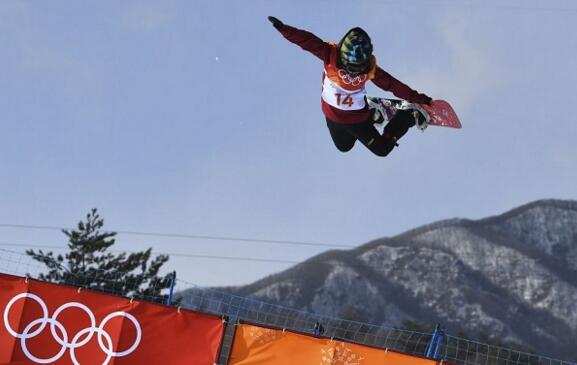 破零!中国首枚奖牌诞生 平昌冬奥会单板女子滑雪U型池刘佳宇摘银