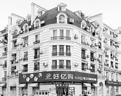 被骗到!小区建成山寨巴黎引争议 法国摄影师拍对比照(组图)
