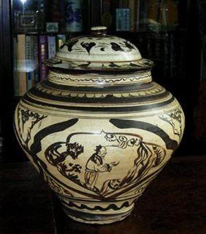 元代磁州窑白釉褐彩人物罐
